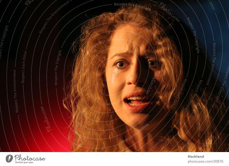 Theater 3 Wut Hauptdarsteller Gesichtsausdruck Verzweiflung Konzert Musik Theaterschauspiel Der Graffiti von Ödön Horvath Anna Haare & Frisuren Jugendliche