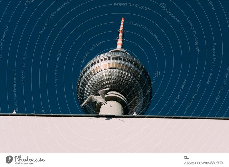 ausflug Ferien & Urlaub & Reisen Tourismus Ausflug Städtereise Wolkenloser Himmel Schönes Wetter Berlin Berlin-Mitte Berliner Fernsehturm Hauptstadt