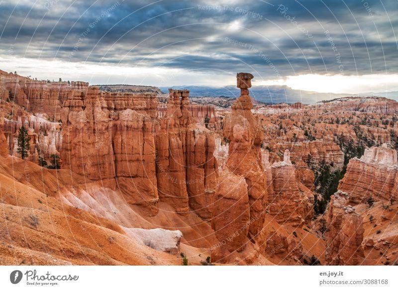 Von einer anderen Welt Ferien & Urlaub & Reisen Ausflug Abenteuer Ferne Natur Landschaft Himmel Gewitterwolken Horizont Klima Klimawandel Felsen Schlucht