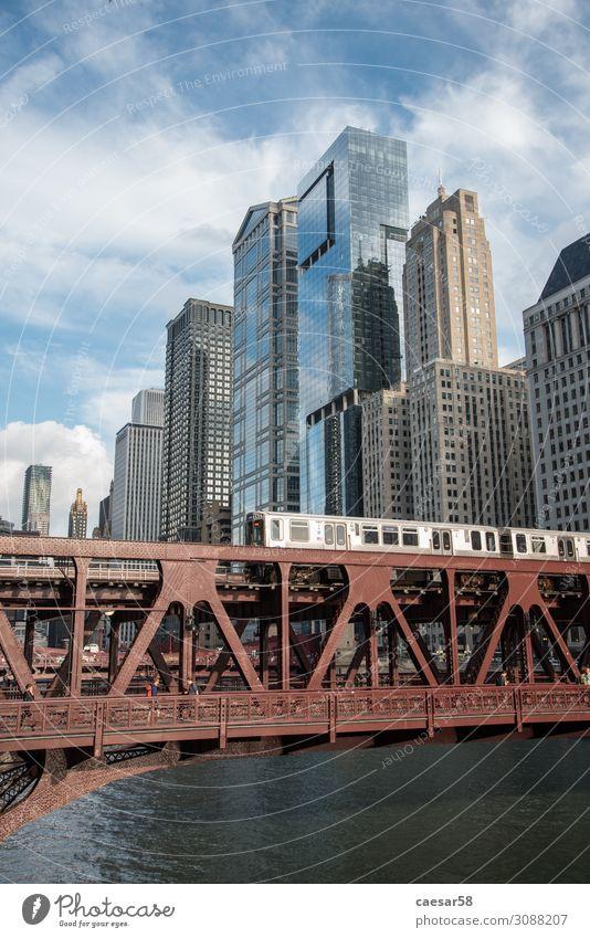 Ferien & Urlaub & Reisen blau Stadt rot Architektur Verkehr Hochhaus kaufen Brücke hoch Eisenbahn Skyline Städtereise Stadtzentrum Bankgebäude Fahrzeug