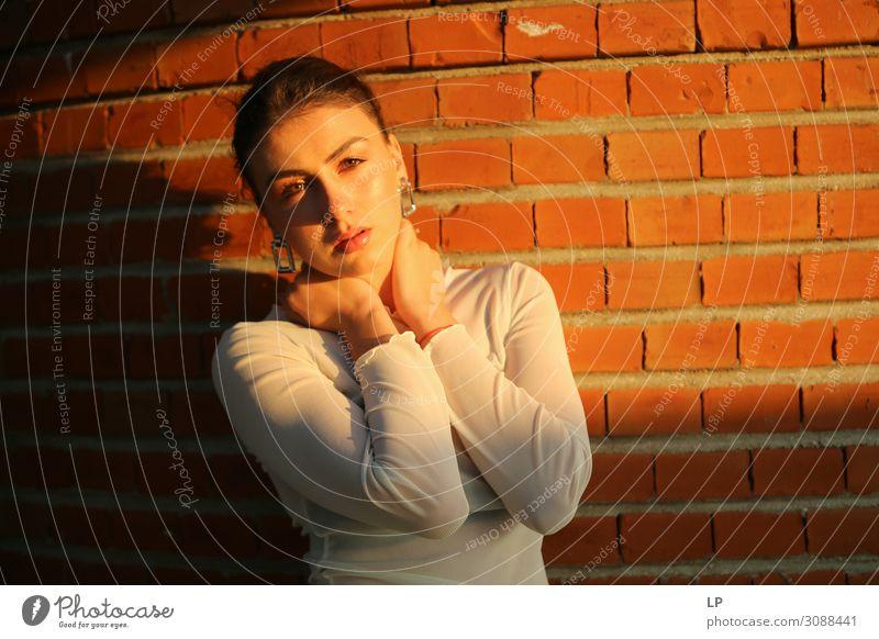 G im Sonnenlicht Lifestyle elegant Stil exotisch schön Gesicht Schminke Zufriedenheit Sinnesorgane Mensch feminin Mädchen Junge Frau Jugendliche