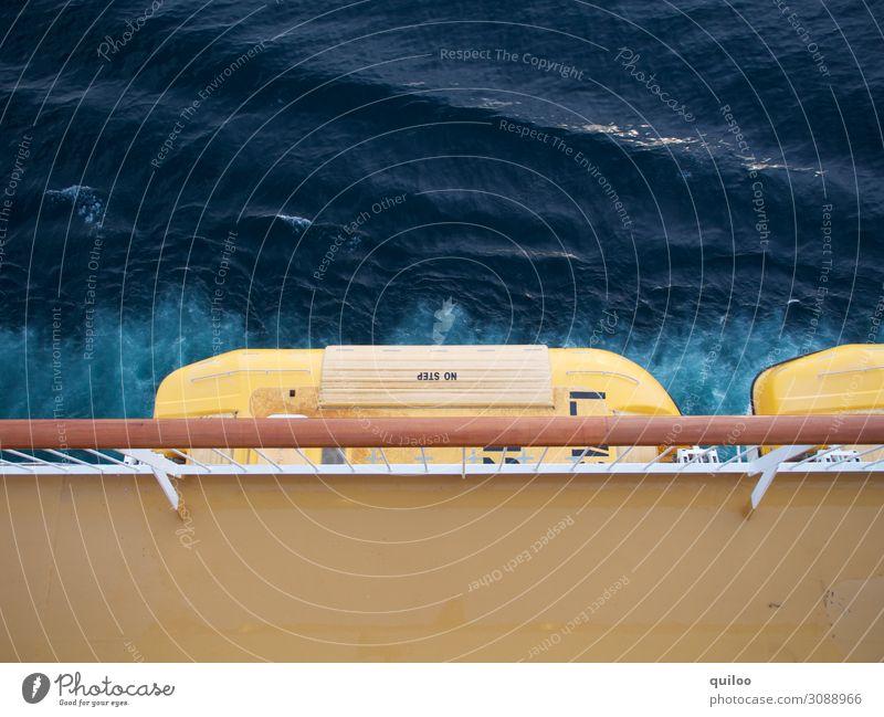 Rettungsboot Technik & Technologie Schifffahrt Kreuzfahrt Beiboot dunkel blau braun gelb Sicherheit Schutz gefährlich Ferien & Urlaub & Reisen bedrohlich