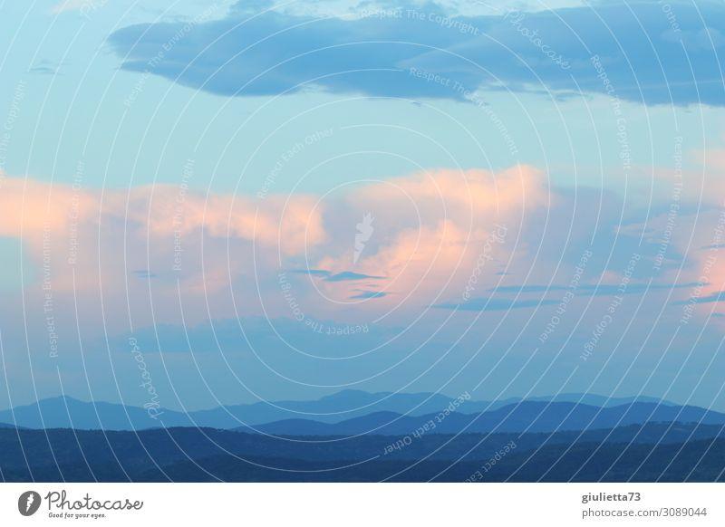 Fifty shades of blue... Himmel Sommer Schönes Wetter Hügel Berge u. Gebirge Küste Meer demütig ästhetisch Einsamkeit Erholung Ferien & Urlaub & Reisen Freiheit