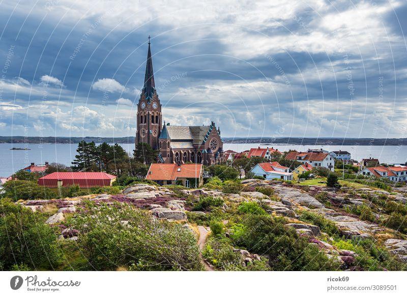 Blick auf die Stadt Lysekil in Schweden Ferien & Urlaub & Reisen Tourismus Sommer Meer Haus Natur Landschaft Wasser Wolken Küste Nordsee Gebäude Architektur