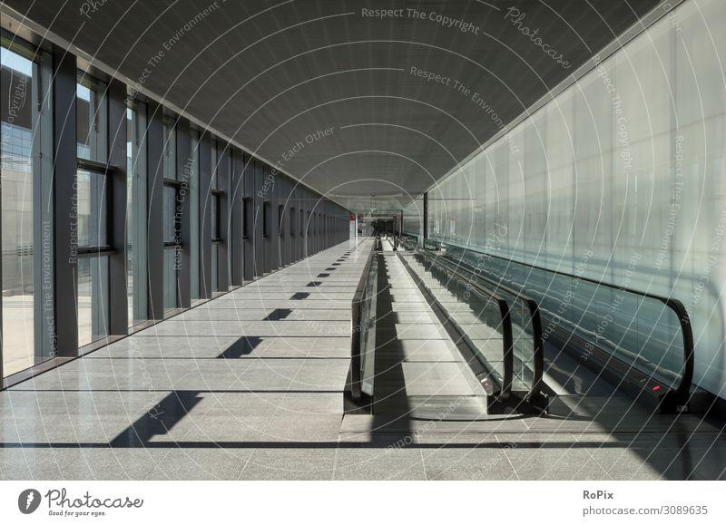 Rolltreppenweg in einem modernen Gebäude. Lifestyle Design Ferien & Urlaub & Reisen Tourismus Ausflug Sightseeing Städtereise Arbeit & Erwerbstätigkeit Beruf