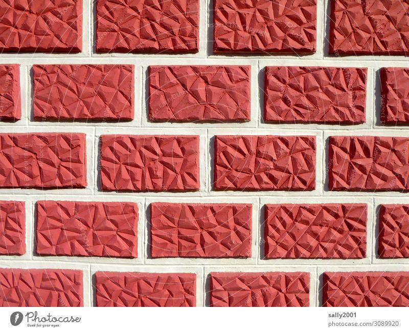Baskenwand... Baskenland Haus Mauer Wand Fassade ästhetisch außergewöhnlich eckig rot Fuge Steinwand Backstein Muster Strukturen & Formen rot-weiß Ordnung