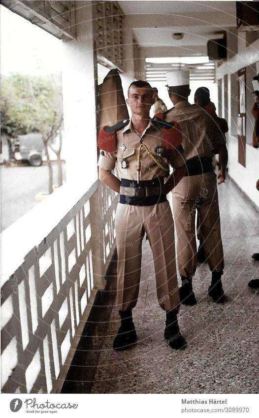 Fremdenlegionär in Parade Uniform Djibouti 1988 Mensch Jugendliche Mann 18-30 Jahre Erwachsene maskulin Coolness selbstbewußt Begeisterung Tapferkeit Ehre
