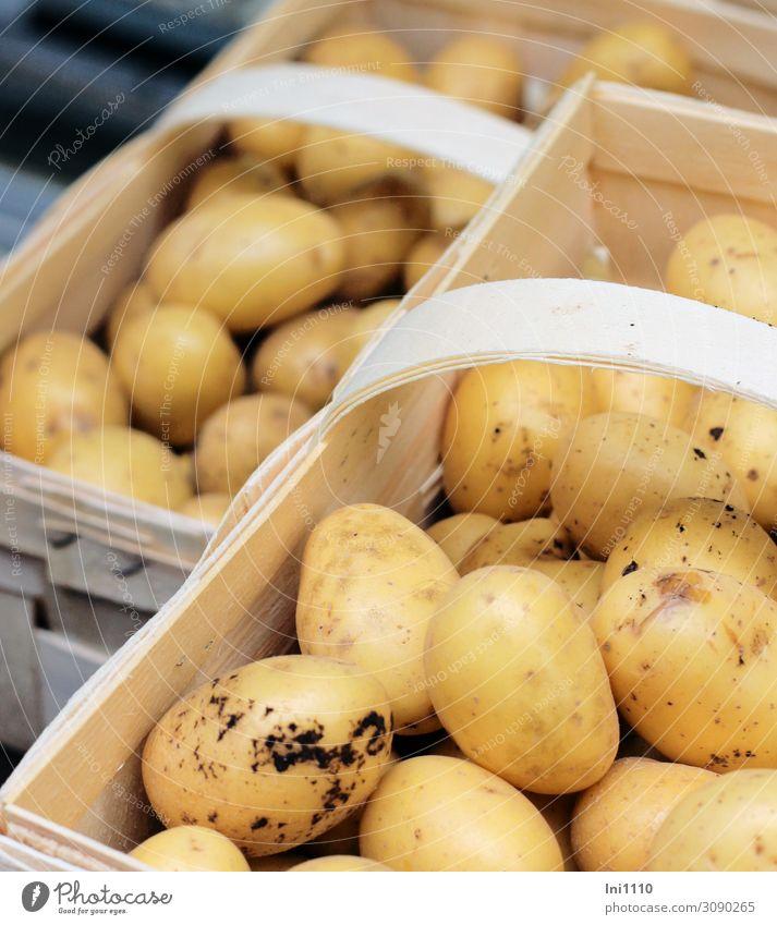 Kartoffeln Gemüse Ernährung Bioprodukte Vegetarische Ernährung Verpackung Holz gelb weiß Herbst Erntedankfest Korb Spankorb lecker Markt Gesunde Ernährung