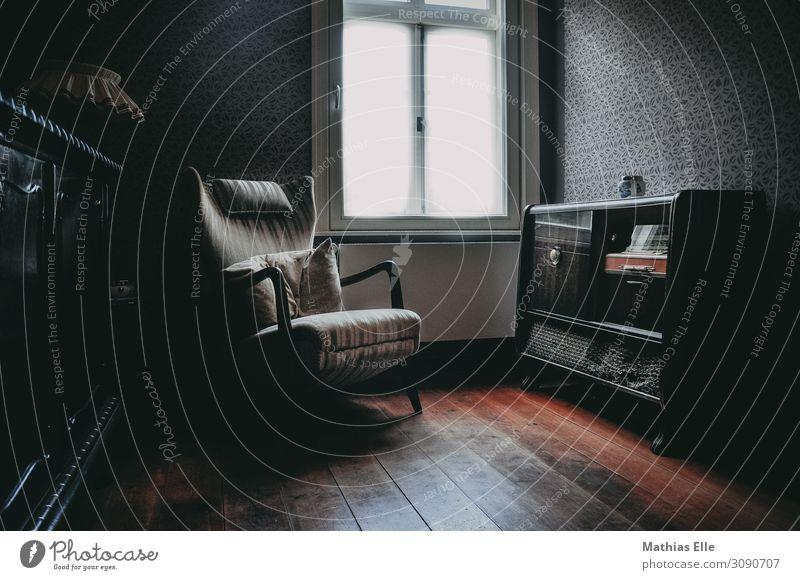 vintage flat Stil Häusliches Leben Wohnung einrichten Innenarchitektur Dekoration & Verzierung Möbel Raum Wohnzimmer Holzfußboden Radio Sessel Radiogerät