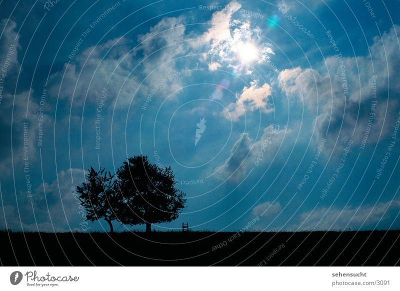 horizont03 Himmel Baum Sonne blau schwarz Wolken Landschaft Hochsitz Blendenfleck Lichtfleck