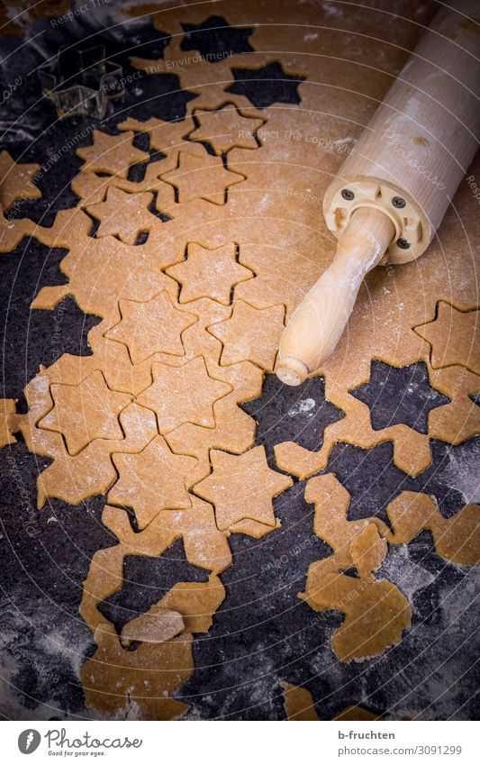 Selbermachen Lebensmittel Teigwaren Backwaren Süßwaren Ernährung Vegetarische Ernährung Küche Arbeit & Erwerbstätigkeit wählen frisch natürlich Keks Nudelholz