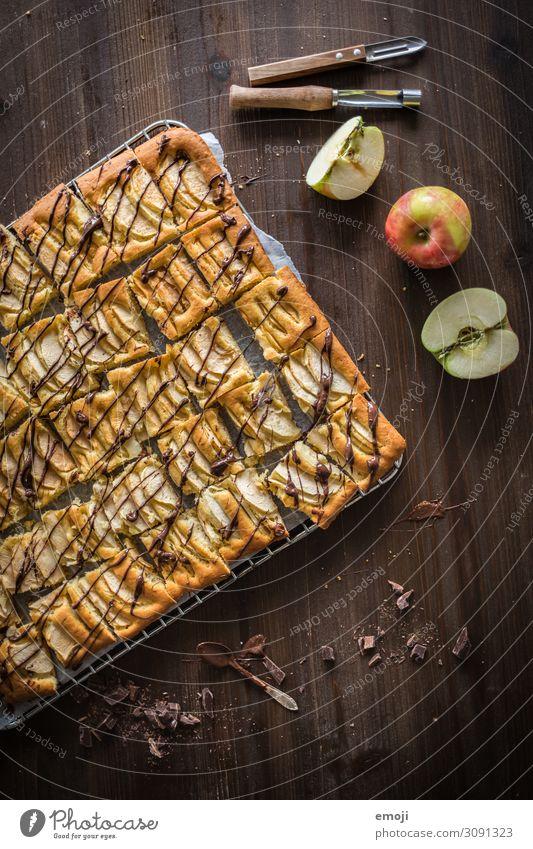 Apfel Blechkuchen Kuchen Dessert Süßwaren Ernährung Slowfood lecker süß blechkuchen Kalorie Backwaren Farbfoto mehrfarbig Innenaufnahme Studioaufnahme