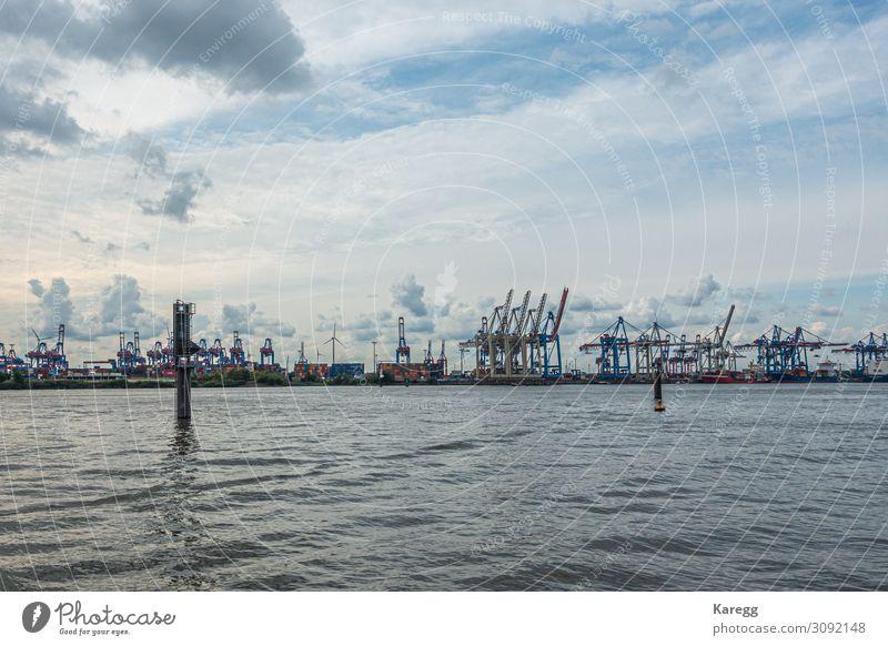 a panoramic view of the port of Hamburg in cloudy weather Ferien & Urlaub & Reisen Sightseeing Sommer Museum Hafenstadt Skyline Wahrzeichen Schifffahrt