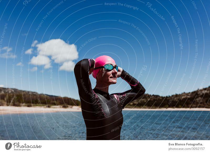 Frau Mensch Himmel Natur Sommer blau Wasser Sonne Meer Erholung Freude Strand Gesundheit Lifestyle Erwachsene Herbst
