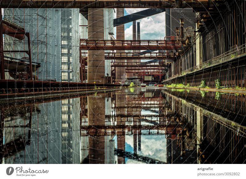 Unesco Welterbe Zeche Zollverein Essen Industrie Energiewirtschaft Architektur Industrieanlage Sehenswürdigkeit Stahl Rost Wasser historisch Kokerei