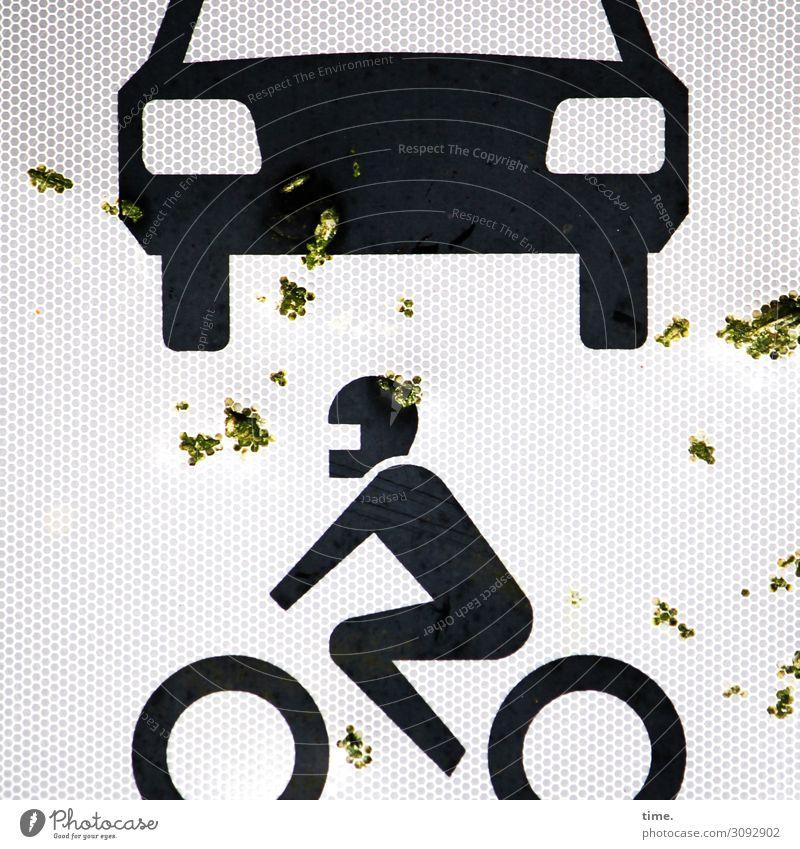 Dreck schleudern   on the road again Wege & Pfade Design PKW Metall Verkehr dreckig Schilder & Markierungen kaputt Hinweisschild Wandel & Veränderung bedrohlich