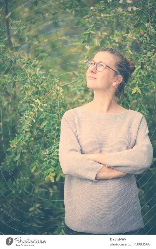 Blick nach oben Mensch feminin Junge Frau Jugendliche Erwachsene Leben Körper Gesicht 1 18-30 Jahre Umwelt Natur Landschaft Klima Klimawandel Schönes Wetter
