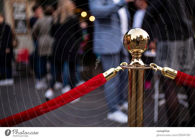 VIP - Eingang Mensch Feste & Feiern Kunst Party Kommunizieren Kultur Tanzen Schnur Hochzeit Seil Show Veranstaltung Theaterschauspiel Reichtum Barriere