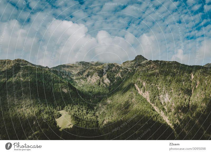 Südtiroler Berge Natur Landschaft Himmel Wolken Wald Alpen Berge u. Gebirge Gipfel bedrohlich dunkel gigantisch hoch nachhaltig natürlich blau grün Idylle Krise