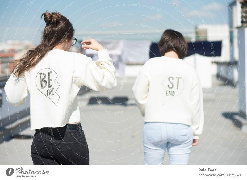 T-Shirt für beste Freunde Lifestyle Stil Freude Glück schön Leben Freiheit Sommer Frau Erwachsene Freundschaft Natur Mode Hemd Liebe Umarmen Fröhlichkeit