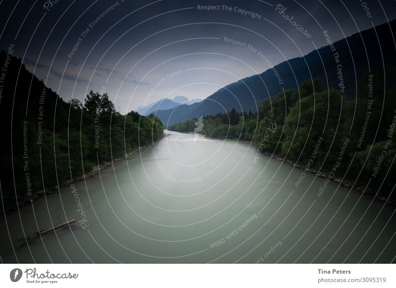 Der Fluss durchs Leben Umwelt Natur Landschaft Urelemente Luft Wasser Himmel Wolken Gewitterwolken Sommer Wetter Baum Grünpflanze Wald Hügel Alpen