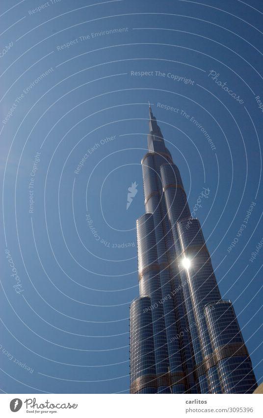 Burj Khalifa mit Sonne Hochhaus Hauptstadt Großstadt Dubai Vereinigte Arabische Emirate