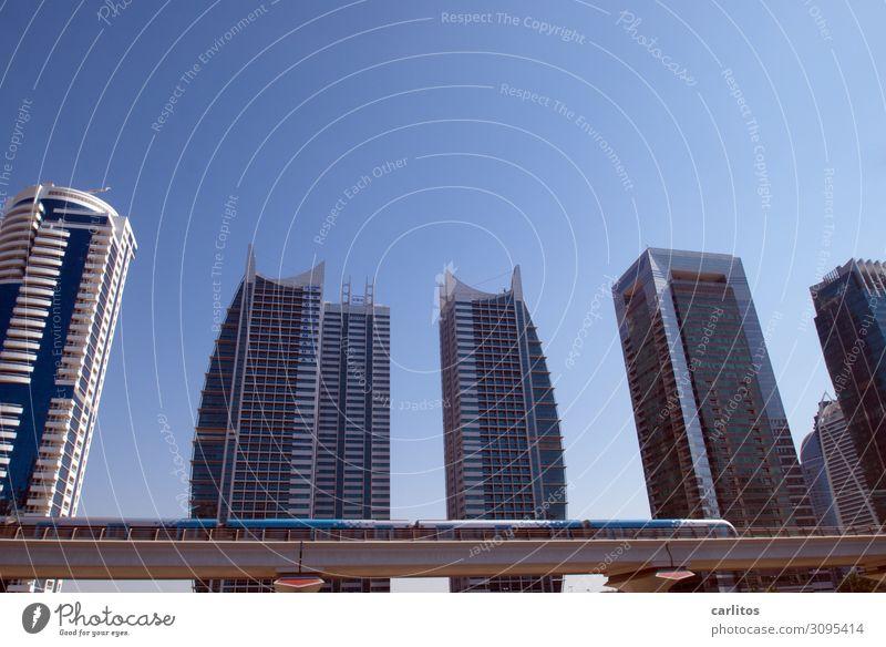 Metro Dubai Vereinigte Arabische Emirate U-Bahn Hochbahn Viadukt Hochhaus Bauboom Tourismus Architektur gigantisch