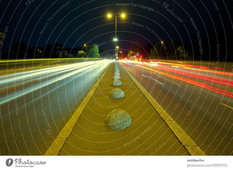 General-Ganeval-Brücke Bewegung mehrfarbig Dynamik Phantasie Straßenkreuzung Licht Lichtspiel Leuchtspur Lichtmalerei Lightshow Linie Berufsverkehr Rücklicht