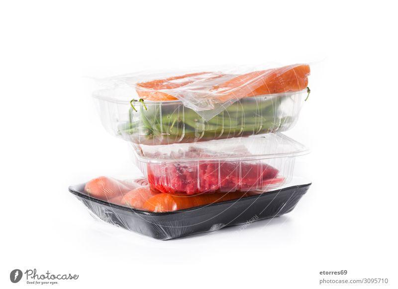 Verschiedene Arten von verpackten Lebensmitteln, isoliert auf weißem Hintergrund Gesunde Ernährung Speise Foodfotografie Lachs Fisch roh frisch rot
