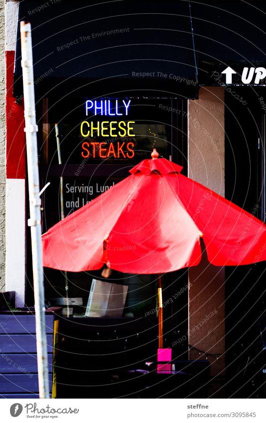 Philly Cheese Steak Sandwich Ernährung Fastfood lecker Stadt Philadelphia cheese steak Sonnenschirm Restaurant Imbiss Feinschmecker Spezialitäten
