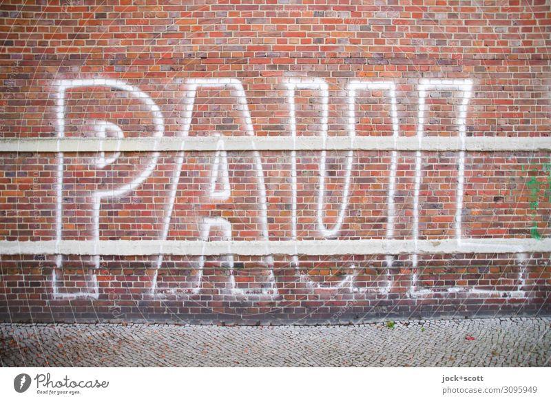 PAUL Subkultur Berlin-Mitte Backsteinwand Bürgersteig Name Spray Graffiti Linie Streifen Coolness einfach fest groß einzigartig trashig Stadt Stimmung