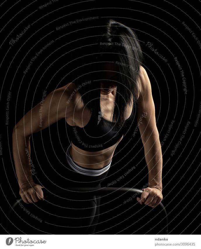 Frau Mensch schwarz Lifestyle Erwachsene Sport Körper Aktion Fitness Energie Körperhaltung stark dünn muskulös Muskulatur üben