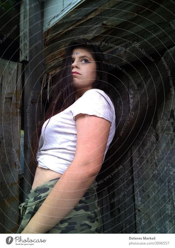 Urbane Frau Mensch feminin Junge Frau Jugendliche Erwachsene Körper Haut Kopf Haare & Frisuren Gesicht Auge Nase Lippen Frauenbrust Arme Bauch 1 18-30 Jahre