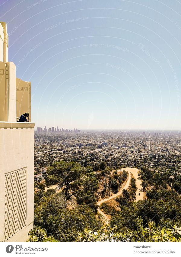 Griffith Observatory Stadt blau grün Los Angeles Kalifornien USA Observatorium groß Horizont Skyline Tourist Park Aussicht Ferne Farbfoto Gedeckte Farben