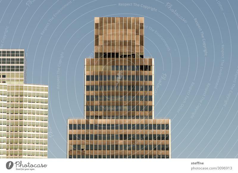 TETRIS Wolkenloser Himmel Schönes Wetter Stadt Skyline Hochhaus Fassade tetris graphisch New York City Stadtzentrum Farbfoto abstrakt Muster Strukturen & Formen