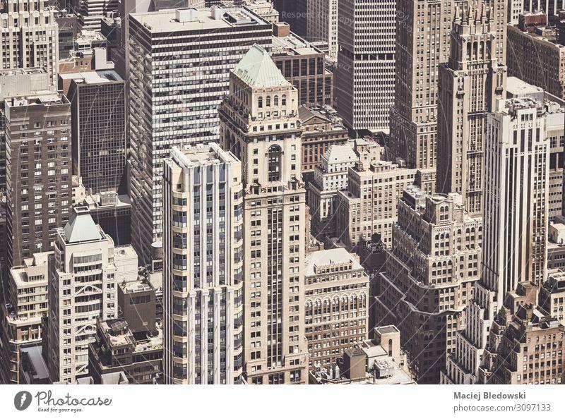 Retro getönte Luftaufnahme der Architektur von New York City, USA. Ferien & Urlaub & Reisen Sightseeing Städtereise Stadt Stadtzentrum Haus Hochhaus Bankgebäude