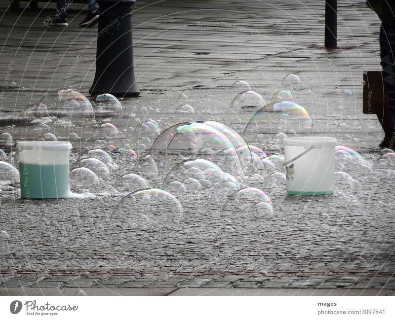 Großputz Kunst Stadt Menschenleer Wasser entdecken Reinigen dünn elegant glänzend schön Freude Glück Fröhlichkeit Lebensfreude Reinlichkeit Sauberkeit Reinheit