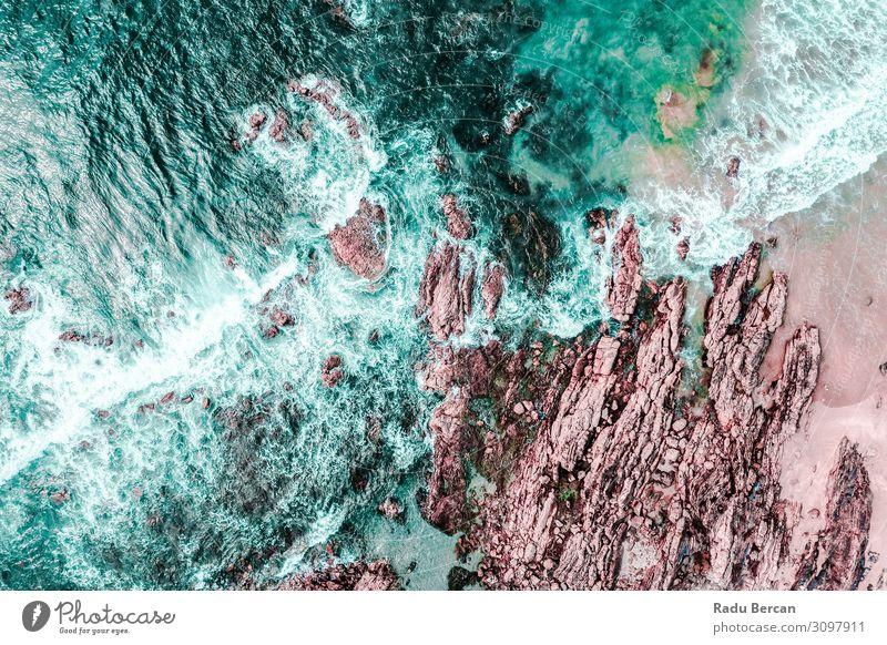 Luftaufnahme der Meereswellen beim Absturz Umwelt Natur Landschaft Erde Sand Wasser Sommer Wetter Unwetter Felsen Wellen Küste Strand Insel entdecken