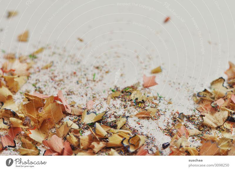 wo gehobelt wird .. Holzspäne Späne Müll spitzen Schreibstift Farbstift Vor hellem Hintergrund Papier Zeichner Künstler Arbeit & Erwerbstätigkeit Zeichnung