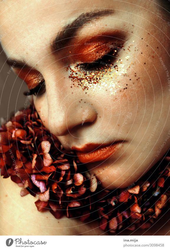 . Frau Mensch Jugendliche Junge Frau schön 18-30 Jahre Gesicht Lifestyle Erwachsene Leben feminin Stil Mode glänzend elegant Haut