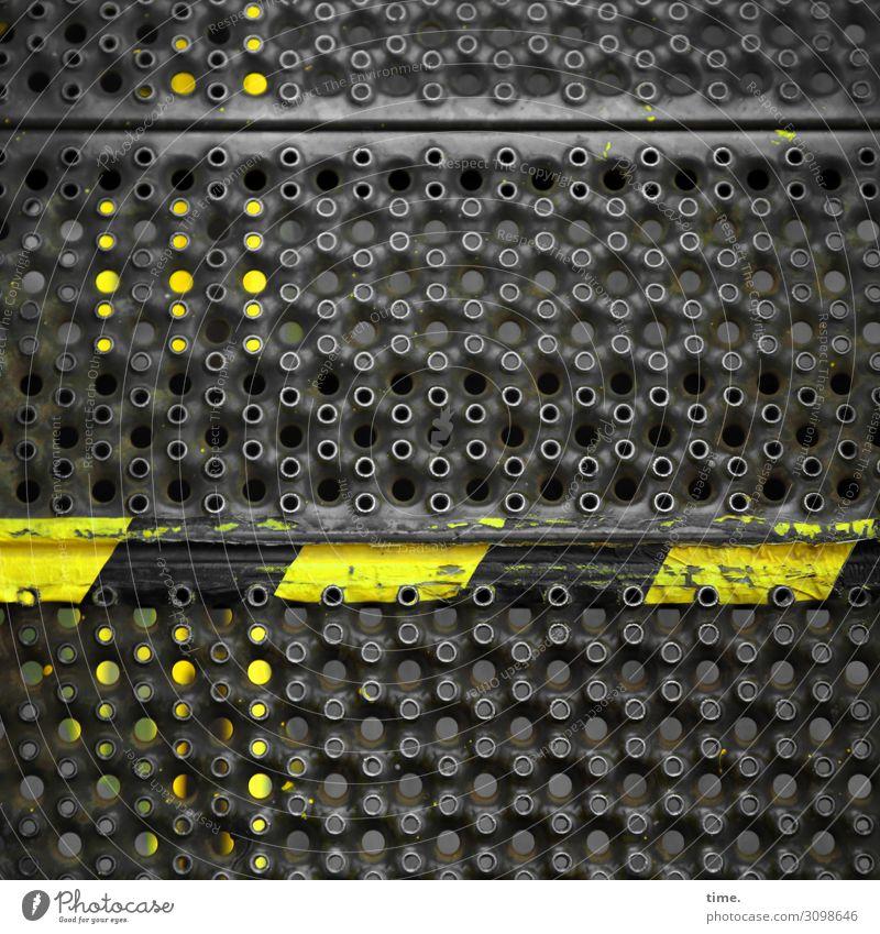 pass up! dunkel schwarz gelb Wege & Pfade Linie Treppe Metall Kommunizieren Hinweisschild einfach bedrohlich Zeichen Baustelle Schutz Sicherheit Streifen