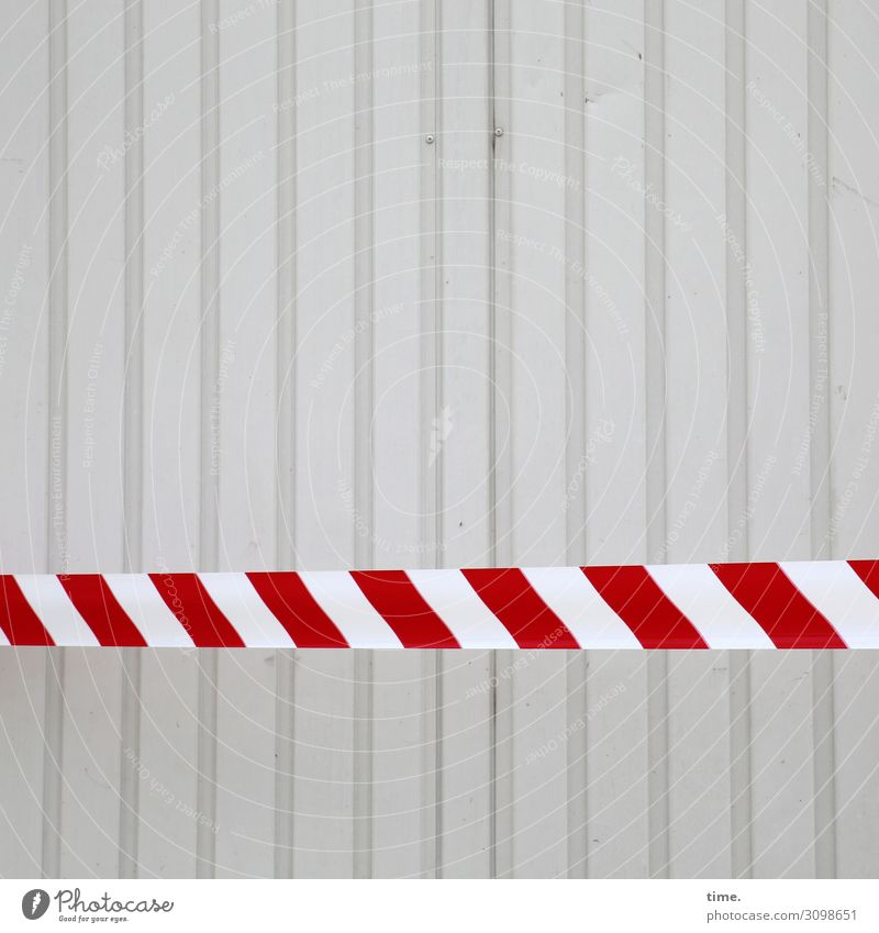 bitte weitergeh'n, hier gibt es nichts zu seh'n Stadt weiß rot Leben Wand Mauer grau Dekoration & Verzierung Linie Metall Ordnung Schilder & Markierungen