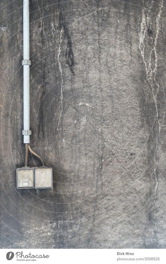 Wandschalter Technik & Technologie Energiewirtschaft Industrie Industrieanlage Fabrik Mauer Fassade stagnierend Schalter Kabel Leitung verfallen Steckdose