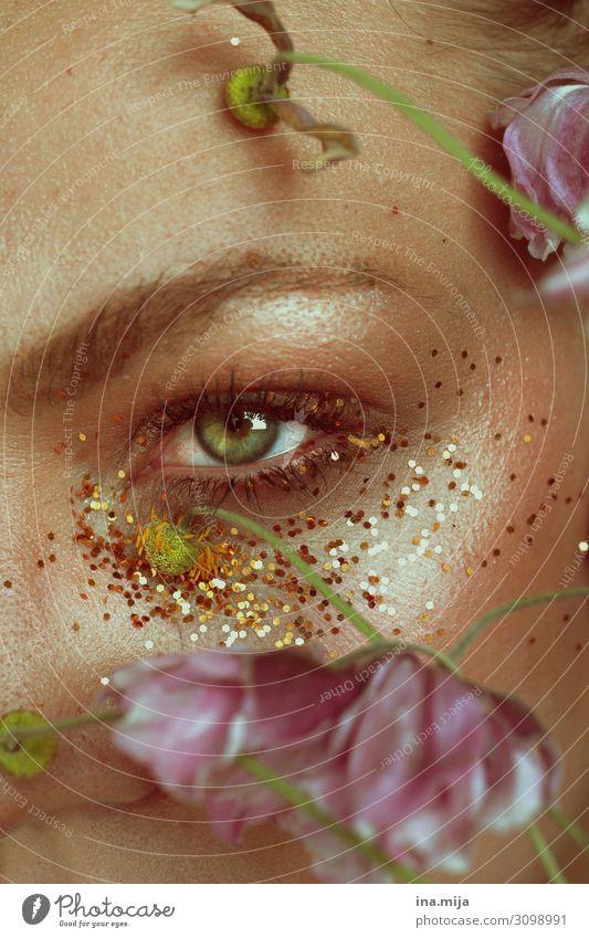 _ Reichtum elegant schön Haut Kosmetik Schminke Wellness Leben harmonisch Wohlgefühl Sinnesorgane Erholung ruhig Meditation Duft Mensch feminin Junge Frau