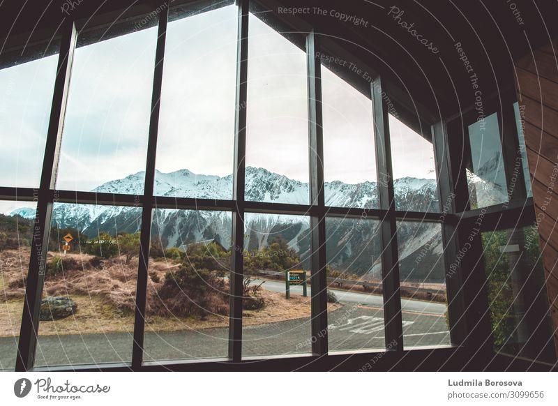 Der Schutzraum Tourismus Ausflug Abenteuer Winter Winterurlaub Berge u. Gebirge wandern Umwelt Landschaft Eis Frost Schneebedeckte Gipfel