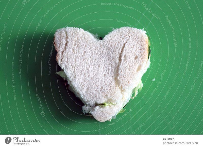 Herz Sandwich grün weiß Lebensmittel Lifestyle Liebe Freundschaft Ernährung liegen Kindheit Kreativität authentisch einzigartig einfach Frühstück