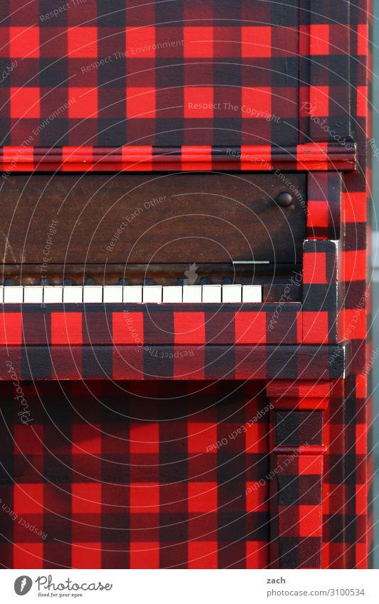 halbe Portion Musik Jahrmarkt Künstler Kultur Veranstaltung Show Konzert Bühne Band Klavier Linie Musik hören Spielen retro rot schwarz Pianist Farbfoto