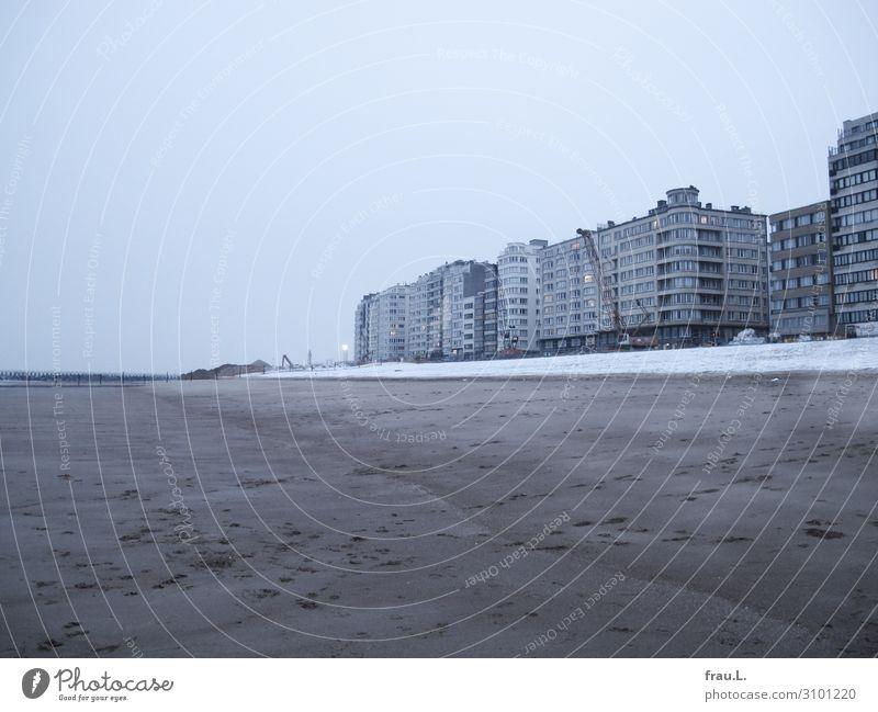 Verlangen nach Meer Ferien & Urlaub & Reisen Tourismus Ausflug Städtereise Strand Winter Küste Nordsee maritim modern blau grau Traurigkeit Oostende Belgien