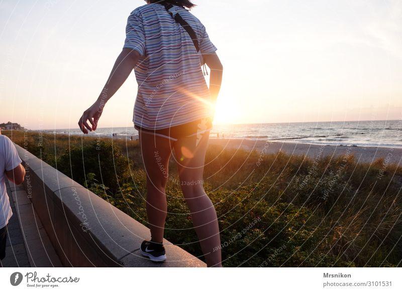 summer Ferien & Urlaub & Reisen Tourismus Ausflug Abenteuer Ferne Freiheit Sommer Sommerurlaub Sonne Strand Meer feminin Mädchen Junge Frau Jugendliche Leben 1