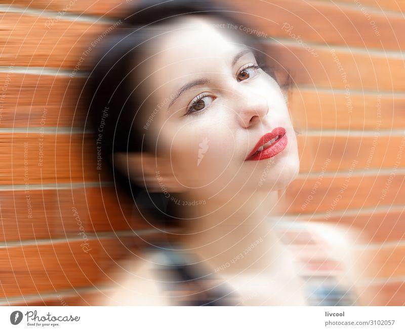 die hipster-frau, san sebastianische Lifestyle Stil schön Sommer Mensch feminin Homosexualität Junge Frau Jugendliche Erwachsene Kopf Gesicht Auge Ohr Nase Mund